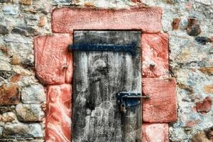 vernice-e-resina-effetto-roccia-metallica